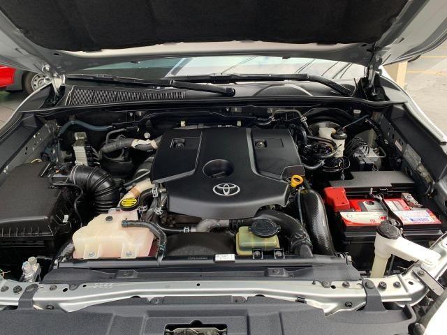 Toyota Hilux SRV 2.8 4X4 Diesel 2016 - Foto 17