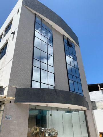 Aluguel prédio Rio Vermelho/Lucaia - c/ Lojao Terreo e Mezanino Área Total 600m2