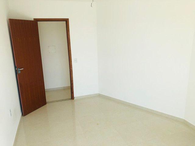 Linda casa com 2 suítes em Santa Mônica - Foto 11