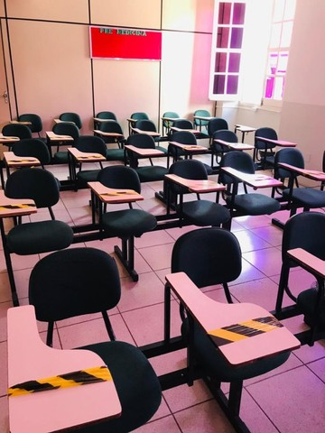Carteira Universitária. Cadeira Escolar.  - Foto 3