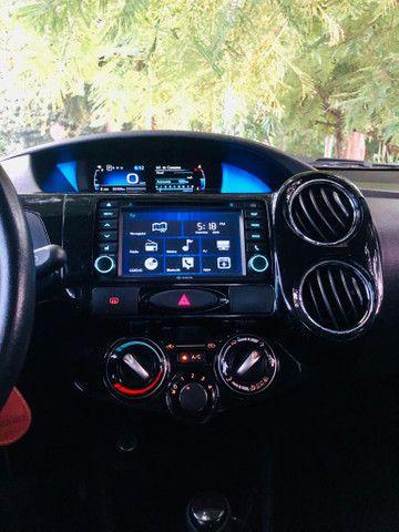 Toyota Etios Platinum automático $ 51.490,00 impecável - Foto 14