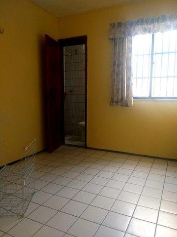 Apartamento para aluguel possui 100 metros quadrados com 3 quartos em Icaraí - Caucaia - C - Foto 15