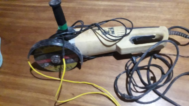"Esmerilhadeira angular DeWalt 7"" - Foto 5"