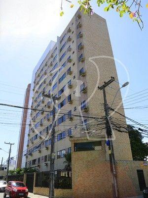 Ótima localização, 02 quartos (Sendo 01 suíte), DCE, wc social, armários fixos, 70m², 02 v