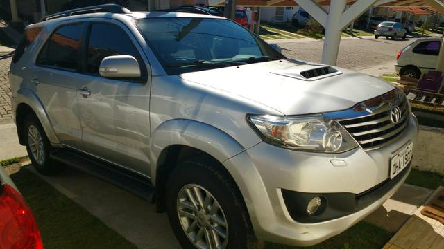Toyota Hilux SW 4 completa 7 lugares