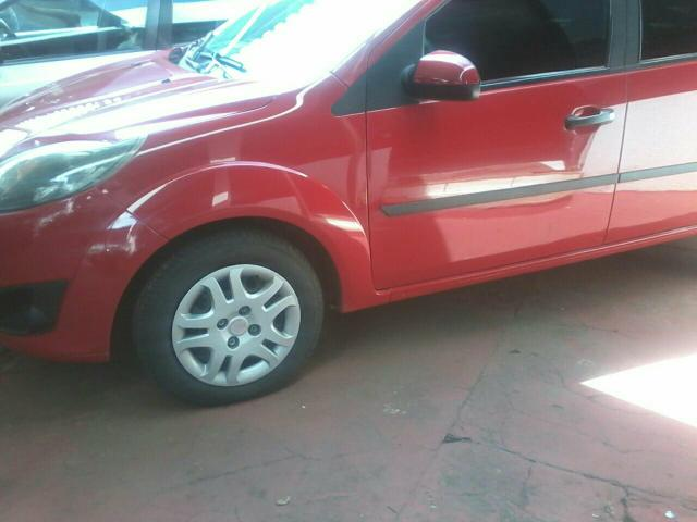 FORD FIESTA HATCH 1.0 ./2010/2011 COMPLETO