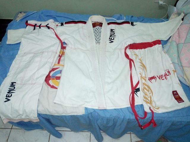 Kimono branco, Venum, tamanho A1,