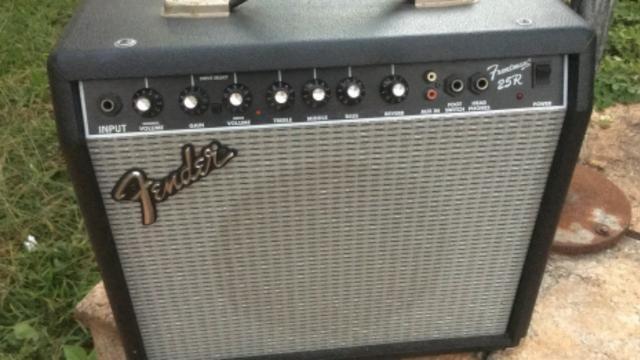 Amplificador fender frontman 25 r