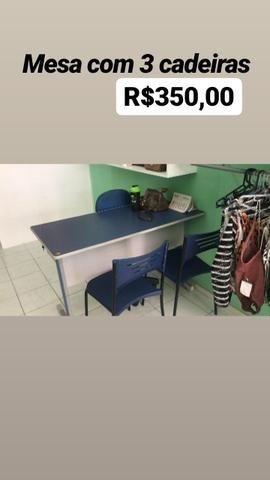Mesa com 3cadeiras