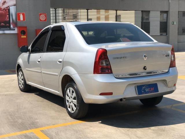Renault Logan 1.6 Expression 2011 - Foto 4