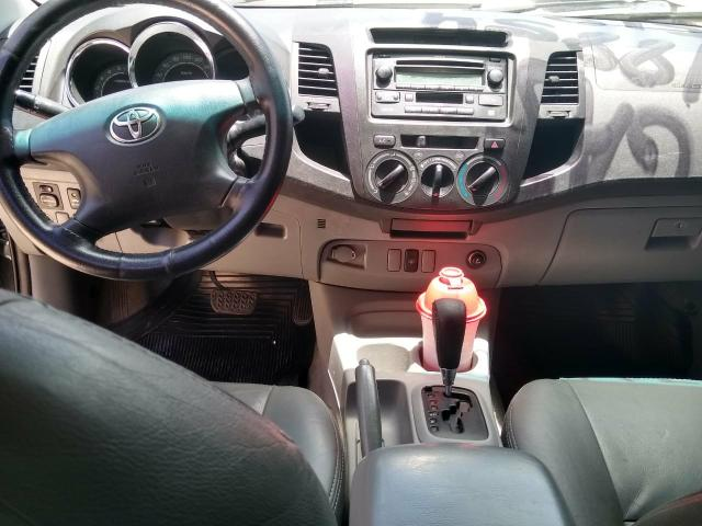 Toyota Hilux 2010 R$55.000,00 - Foto 2