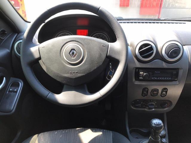 Renault Logan 1.6 Expression 2011 - Foto 8