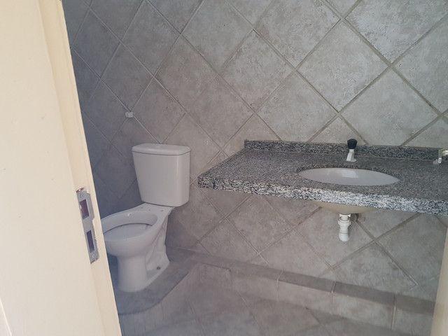 Alugo casa 3 quartos no Bairro Dias Macedo - Foto 6