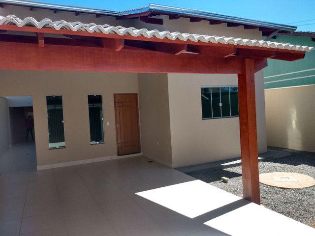 Casa aldeia dos sonhos com pé direito duplo, porcelanato e churrasqueira... Anápolis - Foto 2
