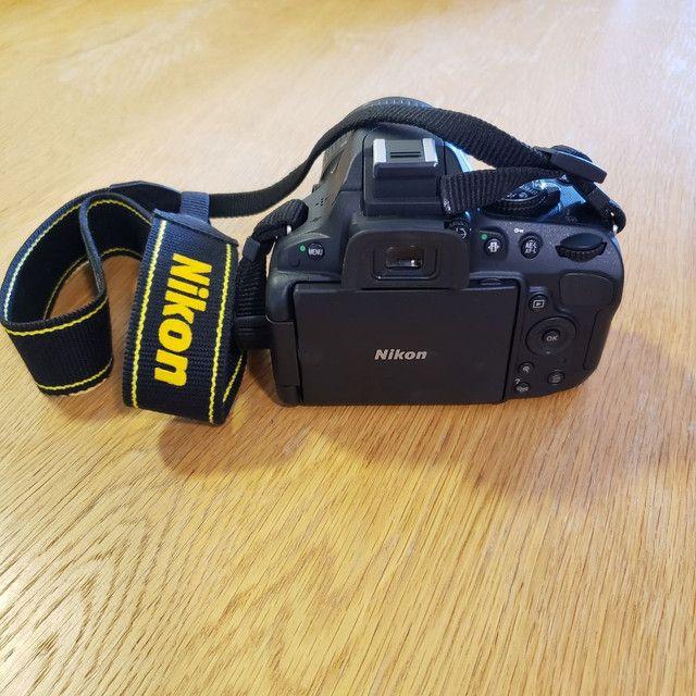 Nikon D5100 com bolsa mais lente extra - Foto 6