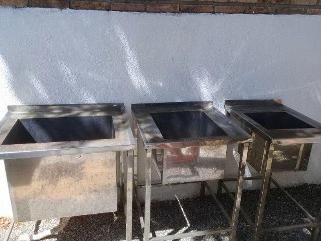 Pias de Aço inox 430 polido chapa 18