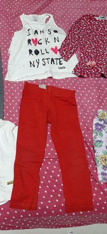 Lote de roupa infantil fem tamanho 2 3 e 4  - Foto 3