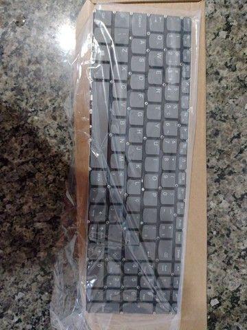 Teclado Para Notebook Lenovo Ideapad 320-15ikb Abnt2 Cinza - Foto 3