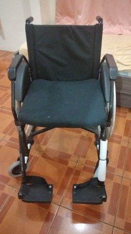 Vendo Cadeira de rodas  - Foto 3