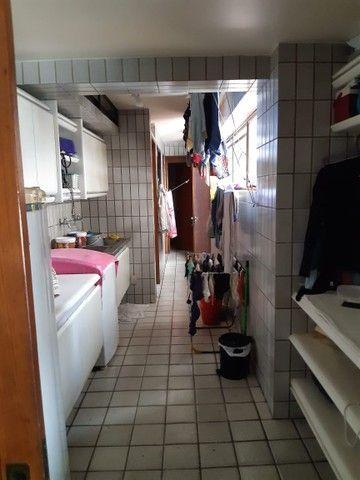Apartamento na Avenida Beira Rio (Madalena), com 350m², 4 quartos (3 suítes) e 3 vagas de  - Foto 9