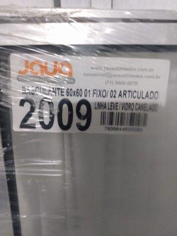 Basculante de Alumínio 60x60 com Vidro Canelado - Foto 2