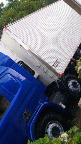 Baú frigorífico 16 pallets 2011
