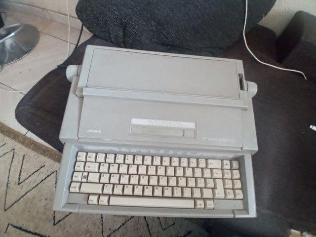 Maquina de datilografia  - Foto 2