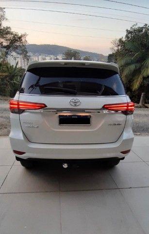 Toyota SW4 2.8 Tdi Srx Diamond 7l 4x4 Aut. 5p 2019 - Foto 3