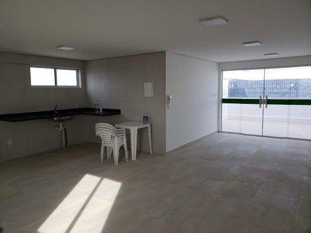Apart  com 55m² com 2 quartos (1 suíte) em Imbiribeira - com armários - Foto 5