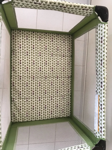 Berço portátil GRACO + colchão ortobom selado  - Foto 3