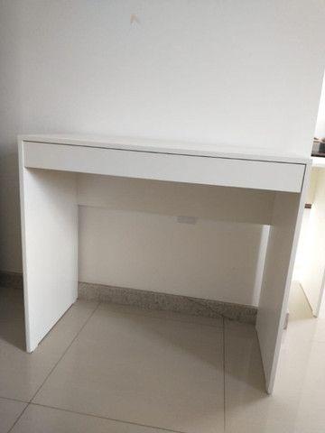 Mesa com gavetas/multiuso / escritório/ escrivaninha Nova MDF - Foto 2