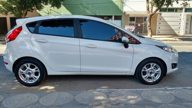 Ford New Fiesta Completo