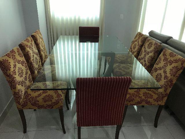 Mesa de jantar tampo de vidro com 8 cadeiras