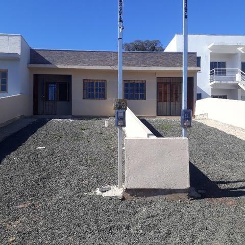 Linda casa só R$ 114.500 terreno 5x30 pátio frente e fundos Alvorada - Foto 2