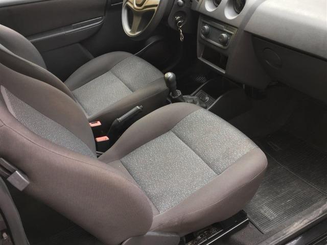 Chevrolet Celta em perfeito estado de conservação 2012 LS 1.0 2 Portas - Foto 2