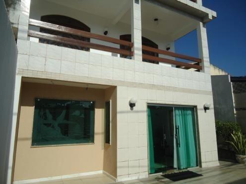 FZ00066 - Casa triplex com 04 quartos em Itapuã