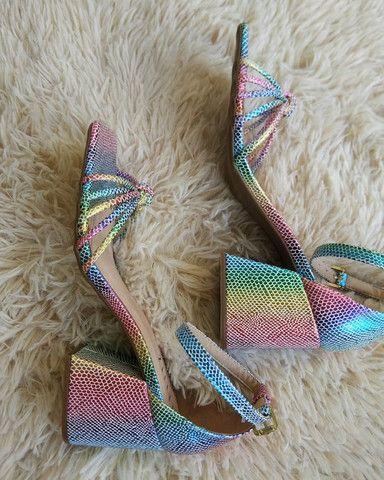 Sandália salto bloco Tie Dye - Foto 3