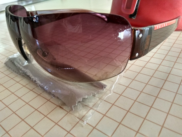 Òculos Prada marrom - Foto 3