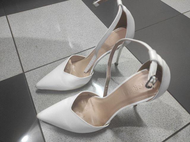 Vendo scarpin marca Gabriela semi novo  - Foto 2