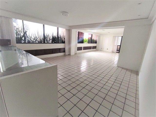 Apartamento no Parnamirim 4 com Quartos 3 Suítes e 222m² - Foto 15