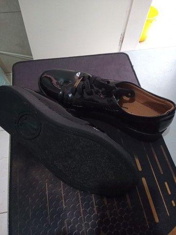 Sapato feminino fechado vizzano, preto brilhoso, 39 - Foto 5
