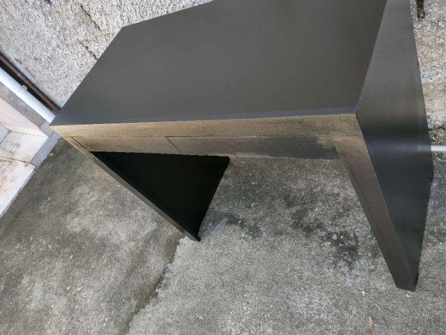 Mesa/escrivaninha / escritório/ com gavetas preta / novo MDF - Foto 3