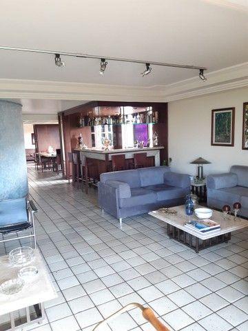 Apartamento na Avenida Beira Rio (Madalena), com 350m², 4 quartos (3 suítes) e 3 vagas de  - Foto 3