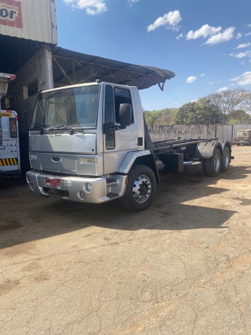 Ford Cargo 2428 6x2 Roll on - Foto 2
