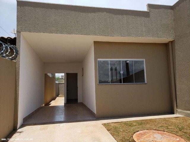 Casa para Venda em Goiânia, Residencial Center Ville, 3 dormitórios, 1 suíte, 2 banheiros,