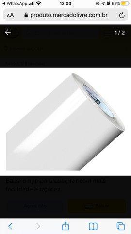 Adesivo vinílico Branco 2 METROS TUBO FECHADO NOVO COMPREI e não USEI  - Foto 2