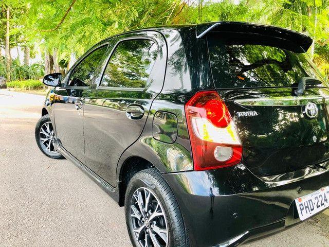 Toyota Etios Platinum automático $ 51.490,00 impecável - Foto 11