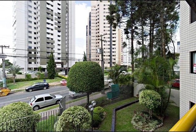 Apartamento para venda possui 98 metros quadrados com 3 quartos em Bacacheri - Curitiba -  - Foto 2