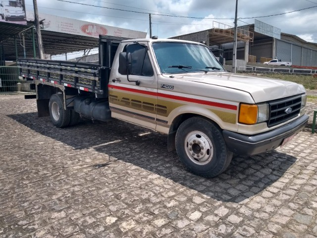 Ford/ F4000/ 1995 - 1995.