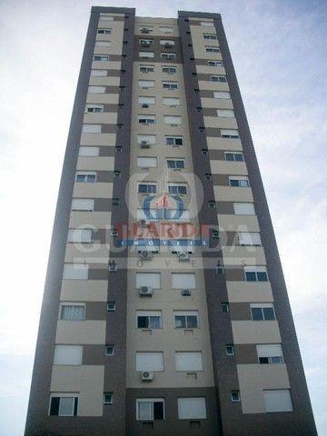 Apartamento para comprar no bairro Santana - Porto Alegre com 3 quartos - Foto 2